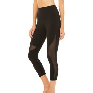 Alo Yoga Leggings In Maroon NOT BLACK.
